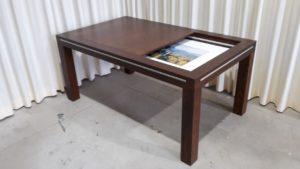 gedeeltelijk open basis-bordspeltafel