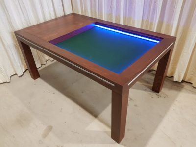 Puzzeltafel, spelletjestafel met gekleurd led.