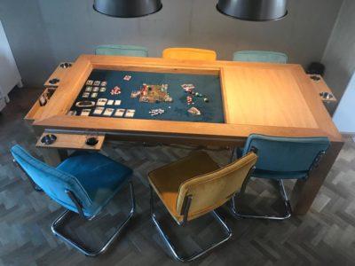 Bordspeltafel van bordspeltafel.nl in gebruik.