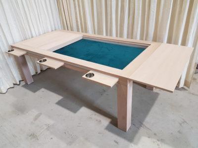 Bordspelltafel afgewerkt in de kleur Smoke.