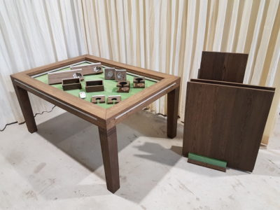 Brettschpieltisch, spelletjestafel met mooie set accessoires.