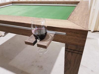 Wijnglashouder.