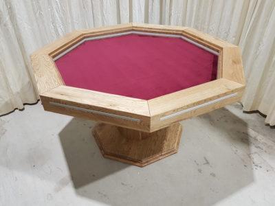 8-hoekige boardgametafel.