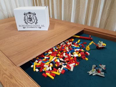 LEGO-tafel, LEGO-table, LEGO-tisch.